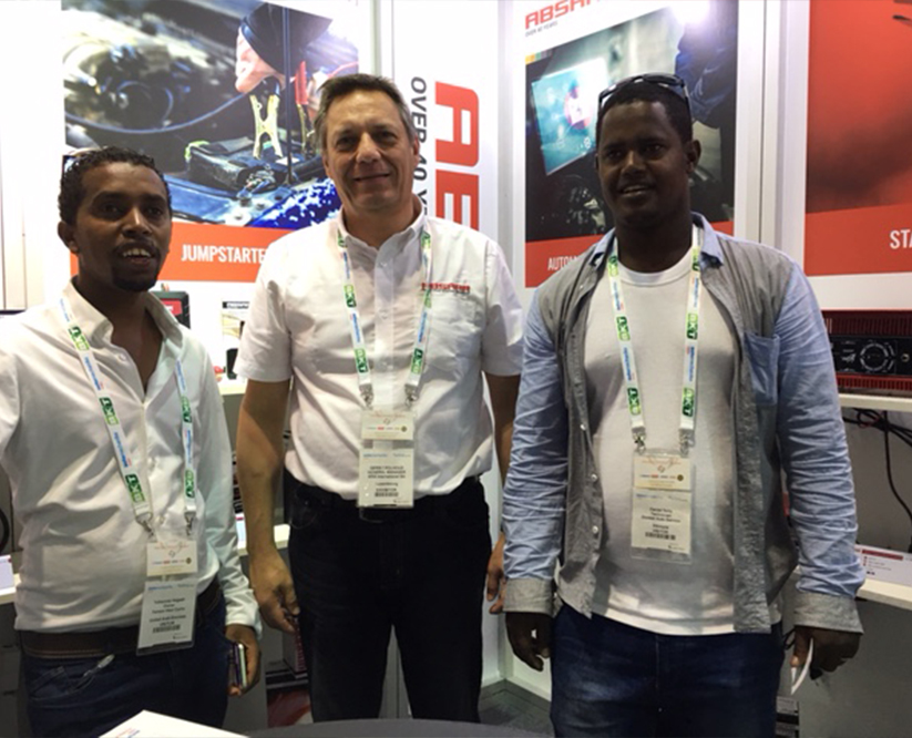 Absaar booth Dubai 2016 Automechanika customer III